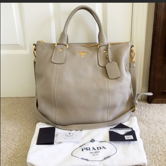 NWOT PRADA leather shoulder bag sacca manici b1f8540f498